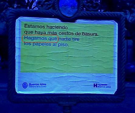 Foto tomada ayer jueves con celular en pleno centro porteño, sobre Leandro Alem a la altura de Paraguay
