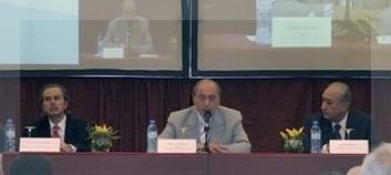 El juez Zaffaroni expuso, escoltado por su colega Maqueda y el ministro Puricelli.