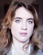 Adéle Haene encarnará a la joven médica acechada por la culpa.