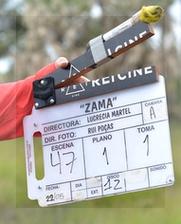 La claqueta anuncia la primera toma del plano 1 de la escena 47. fecha: 22 de mayo.