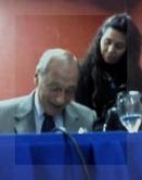 Al término de la presentación, Zaffaroni firmó libros.