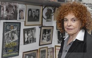 El poster de 'La amiga' y una foto de Tato, entre los recuerdos preciados de Cipe.