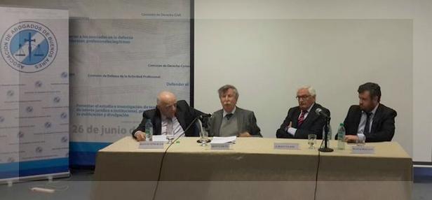 De izquierda a derecha, Beinusz Szmukler, Joan Garcés, Alberto Filippi y Matías Bailone.