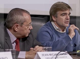 El embajador francés Jean Michel Casa y el titular del INCAA Alejandro Cacetta asistieron a la apertura y al cierre del seminario en la ENERC.