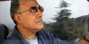 Abbas Kiarostami, en su auto. La mejor manera de despedirlo.