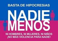 Banner replicado por compatriotas en desacuerdo con las convocatorias de Ni Una Menos.